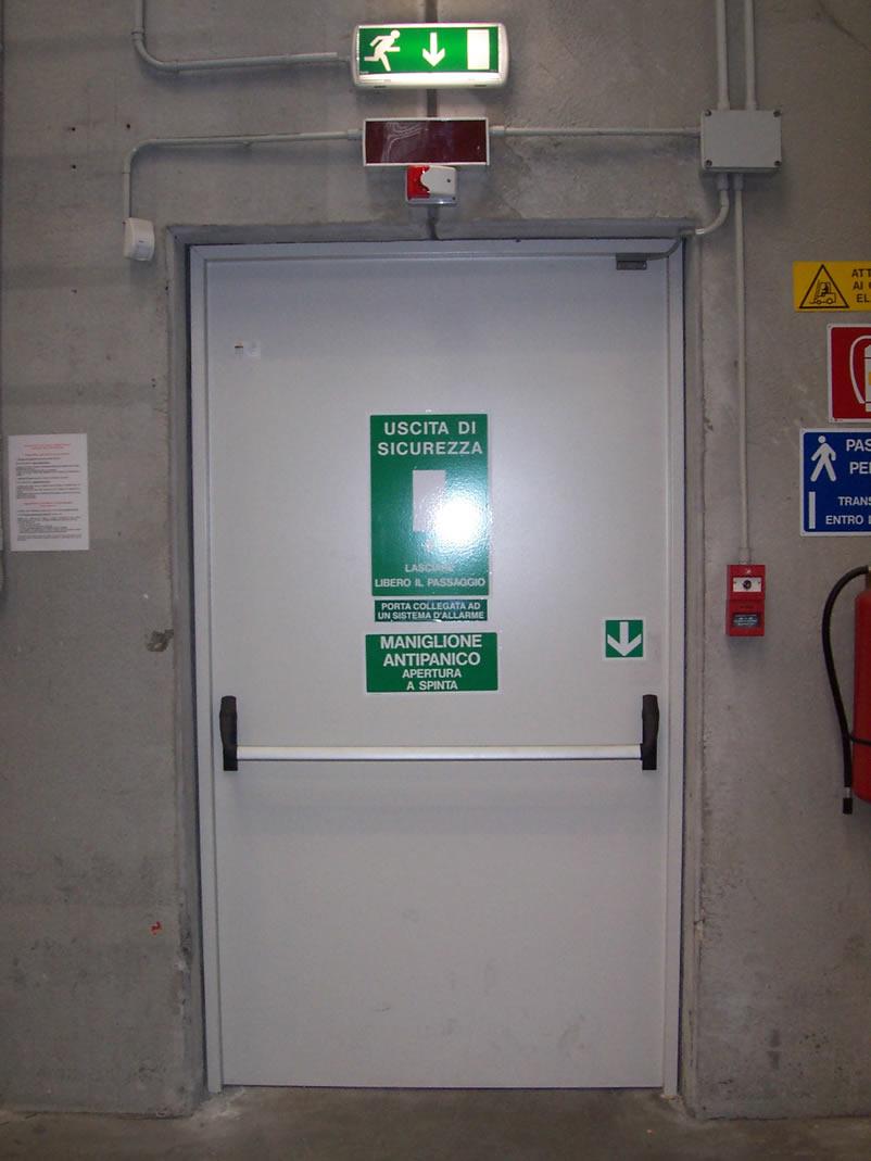 Expa barriere fuoco porte tagliafuoco portoni for Porte tagliafuoco